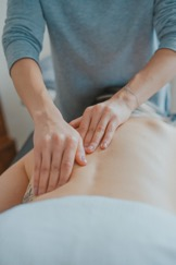 Manual Therapy can be useful in helping with pain in the thoracic spine