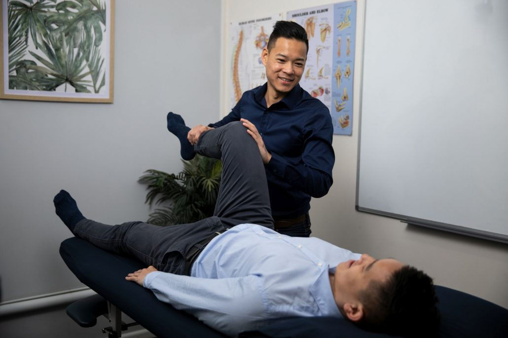 Dr Marcus Ng (Osteopath) - treating knee pain from meniscus tear