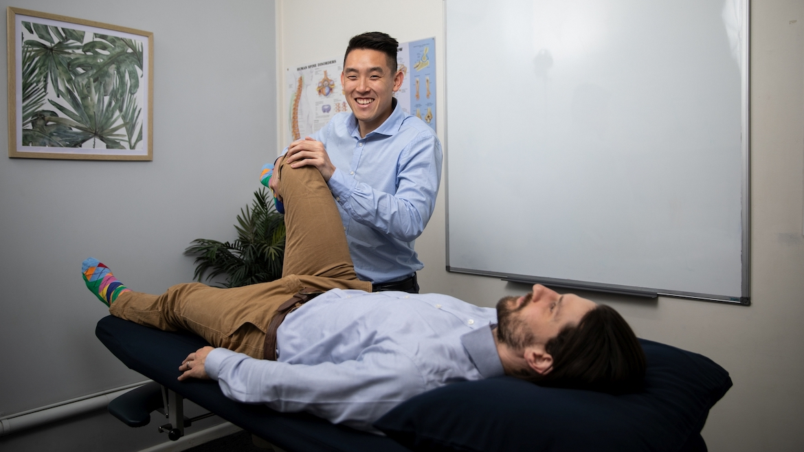 Circular Quay Chiropractor Patient with Knee pain