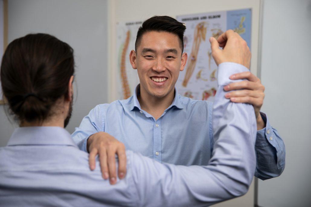 Chiropractic Barangaroo with Dr Steven Tran shoulder pain
