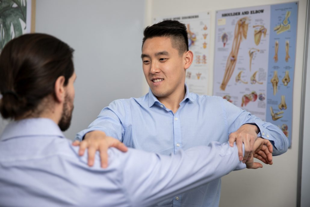 Town Hall Chiropractic with Dr Steven Tran shoulder pain