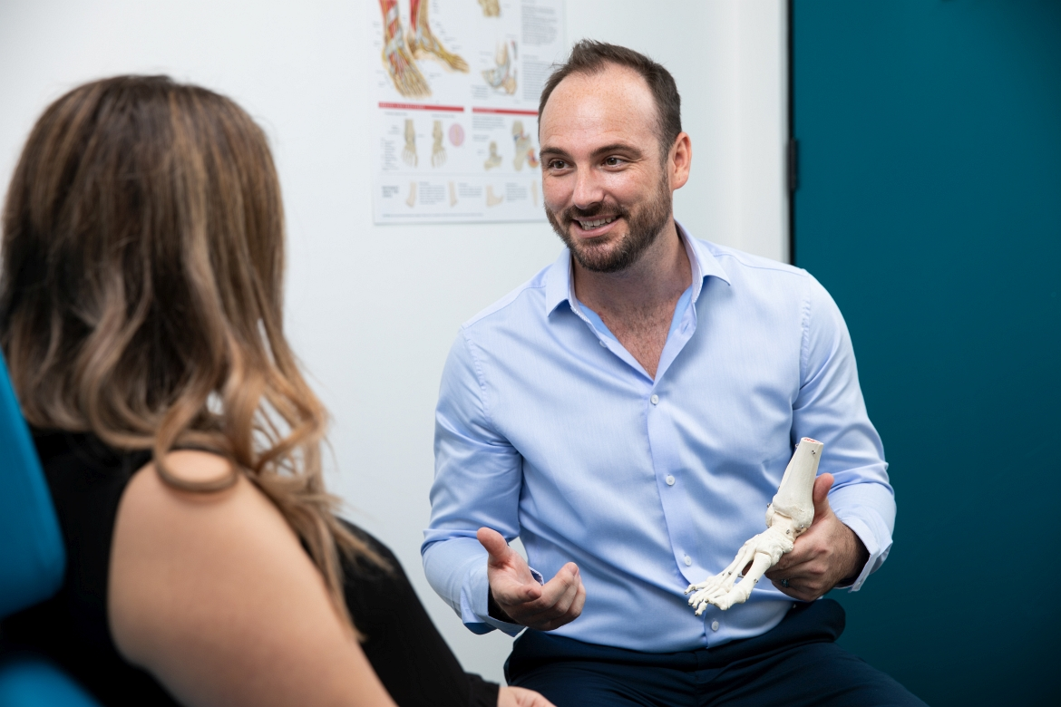 Podiatry-Sydney-CBD-with-Dr-Daniel-Graham-foot-pain