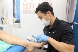 Nerve-testing-diabetic-footcare
